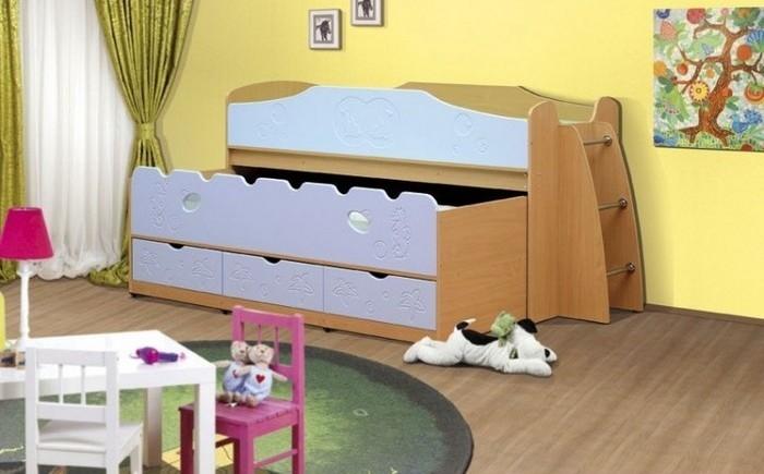 Низкая двухъярусная кровать для маленьких детей
