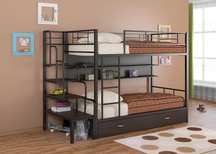 Двухъярусная кровать из комбинированных материалов