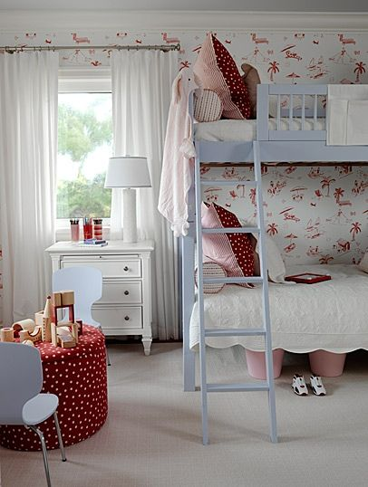 Двухъярусная кровать и мягкий детский столик для двоих