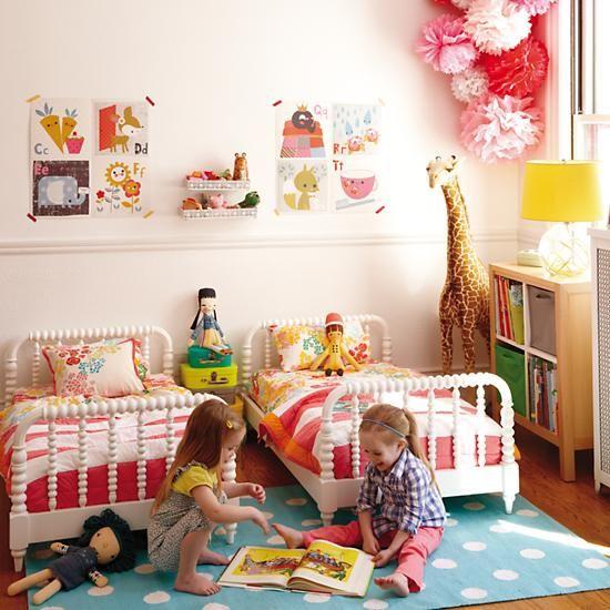 Детская комната для маленьких дочек