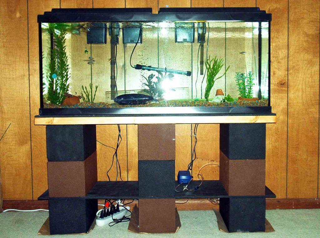 Тумба под аквариум должна иметь правильные размеры, выдерживать необходимые нагрузки, быть удобной в использовании и влагостойкой