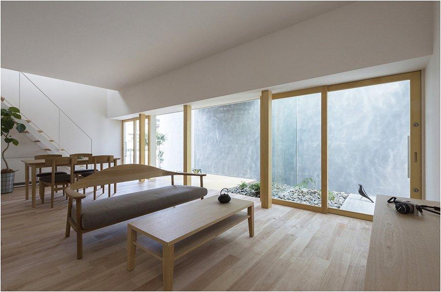 Спокойный дизайн интерьера гостиной в японском стиле
