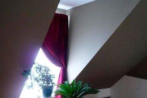 Шторы на вертикальное мансардное окно
