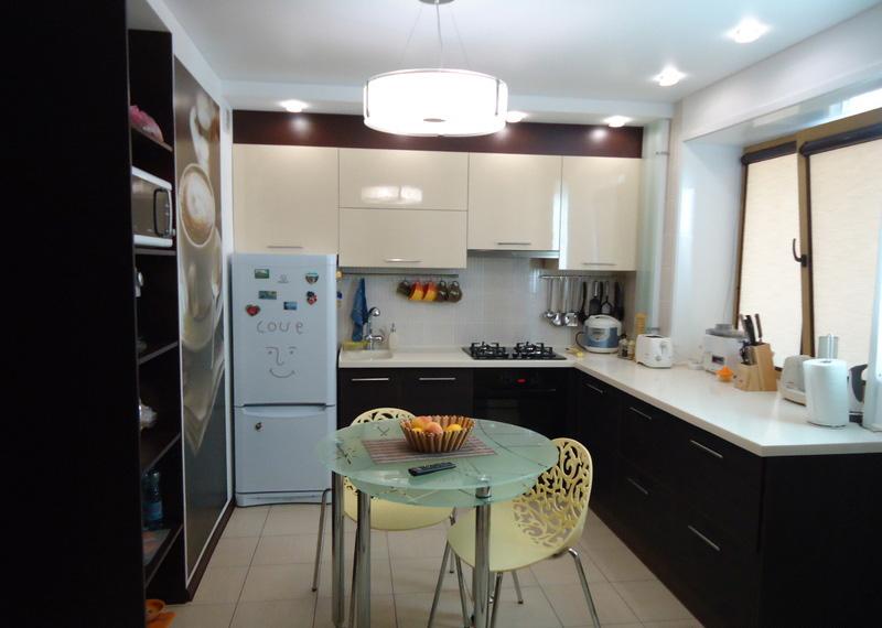 кухня 8 кв м с холодильником