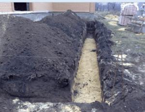 Как построить каменный забор своими руками качественно
