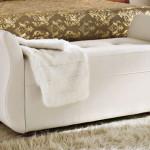 Банкетка для спальни — выбираем мебель