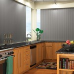Вертикальные серые жалюзи для кухни