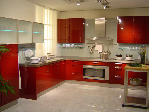 Вот такой прекрасный кухонный фасад можно получить, используя крашеный МДФ
