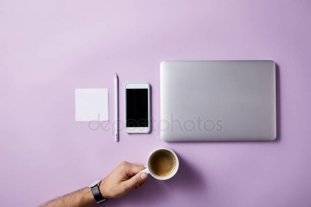 Cropped Shot Man Folding Coffee Cup Workplace Pink Surface Mockup — стоковое фото