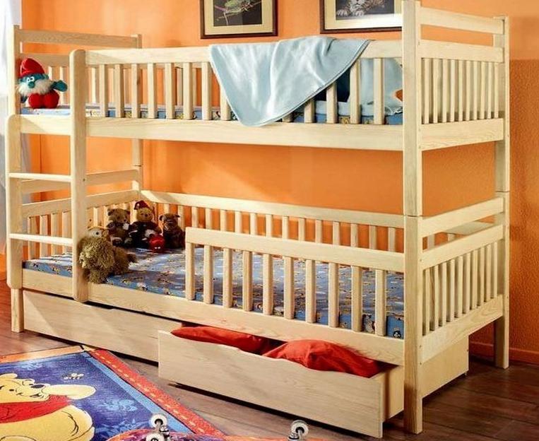 Ящики позволяют хранить постельное белье рядом с кроватью