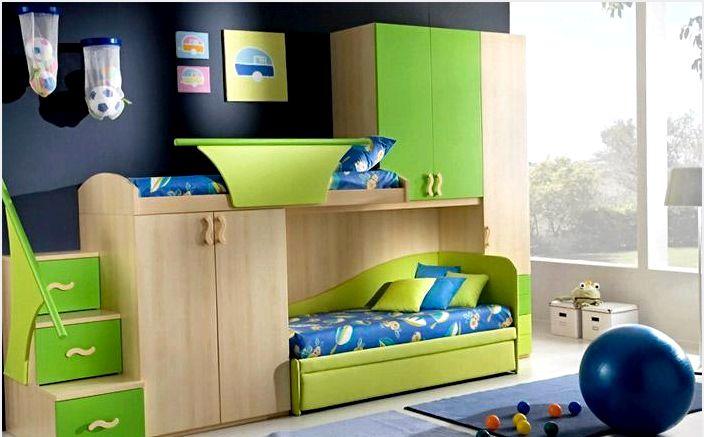 Детская кровать-чердак в ярко-зеленом цвете
