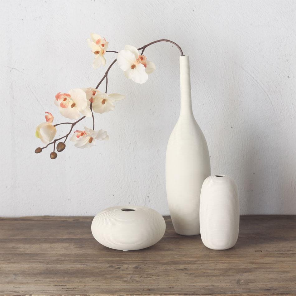 ваза в стиле минимализм