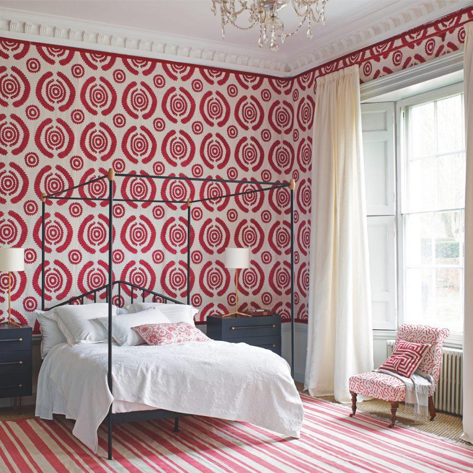 оформление стен в спальне обои