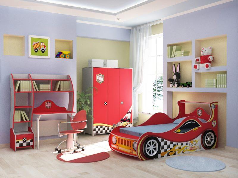 Детская кровать в форме машины из мультфильма