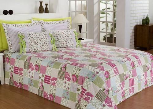 Одеяло в стиле пэчворк в интерьере спальни