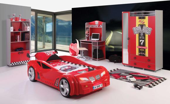 Спальное место в виде машины