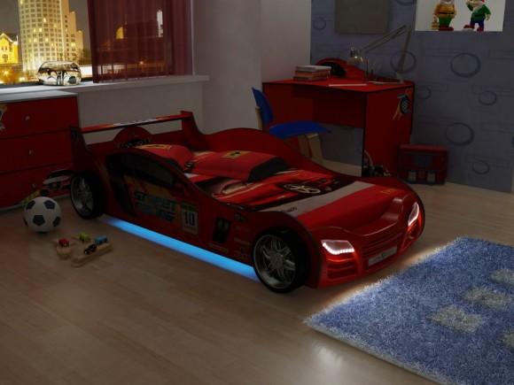 Кровать для маленьких любителей машин