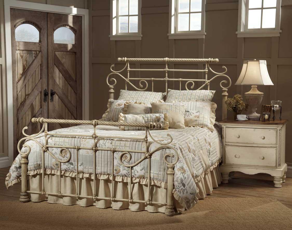 Металлическая кровать в стиле прованс