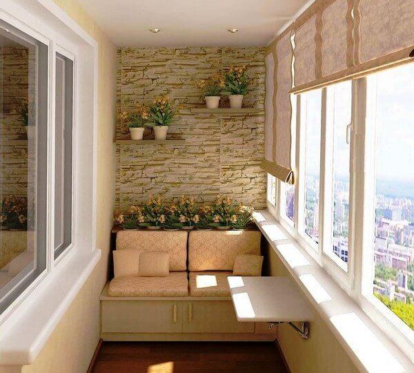 уютный балкон с диваном