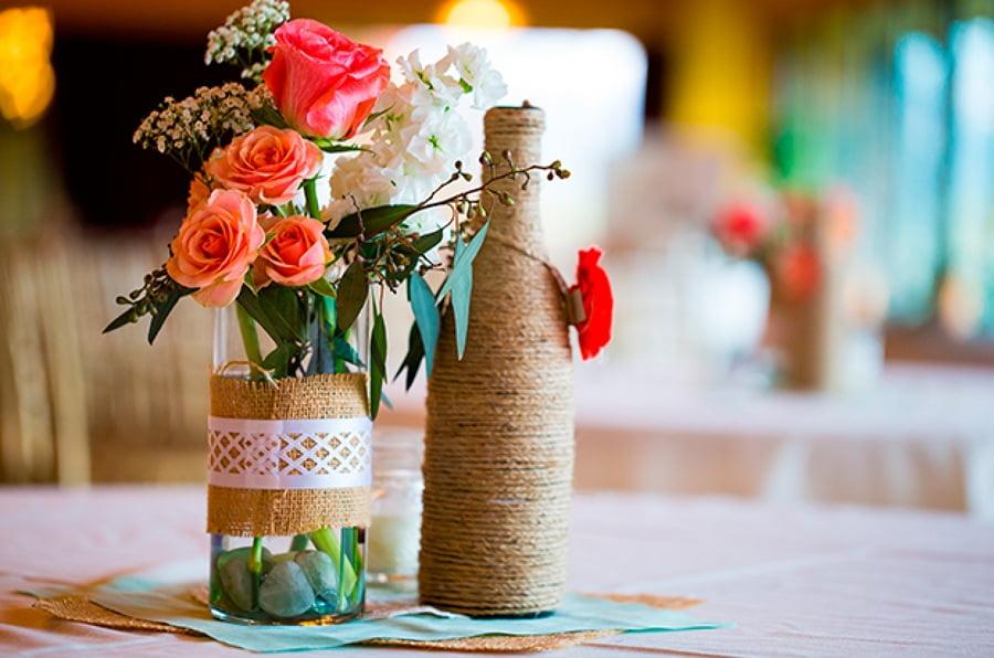 Простая и лаконичная ваза из бутылки - станет отличным подарком для второй половины