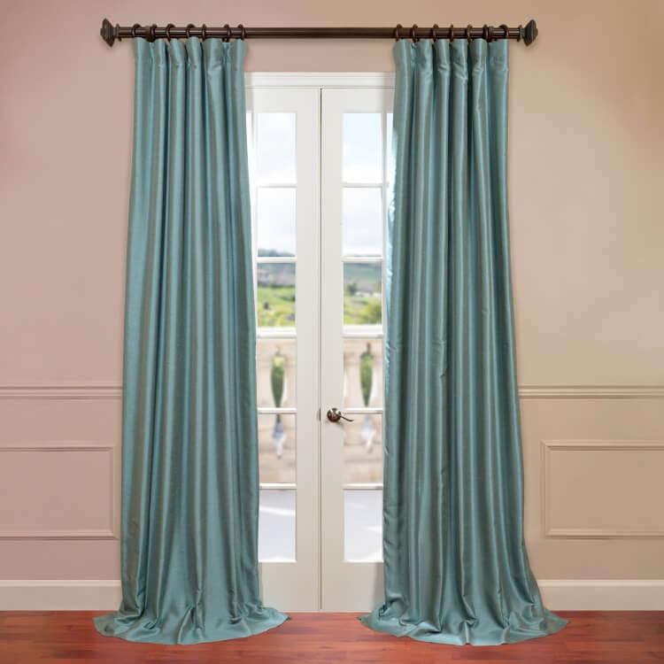 Шелковые бирюзовые шторы