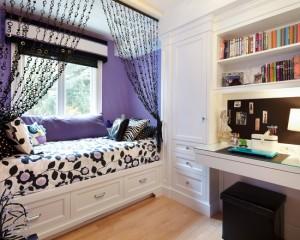 Продуманная система шкафов в спальне девочки подростка