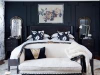 как оформить белую кровать в черной спальне
