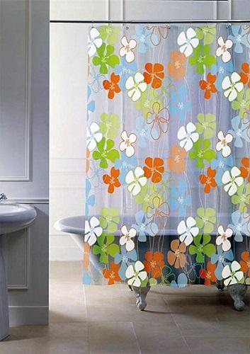 Правильно подобранная шторка украсит интерьер любой ванной комнаты