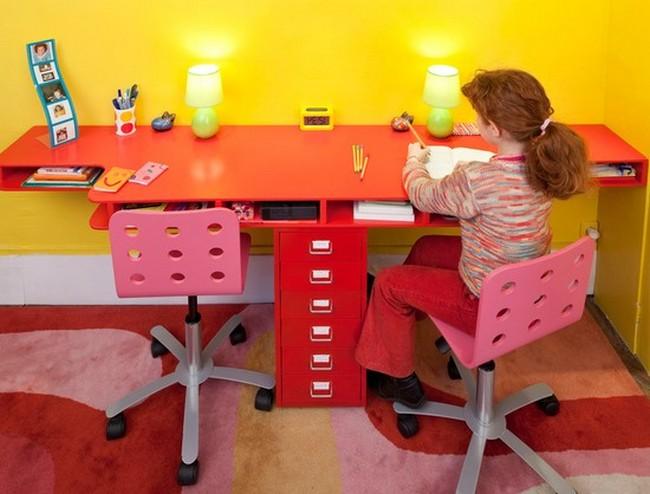 Ярко-оранжевые краски мебели