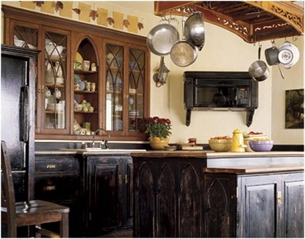 Дизайн интерьера кухни с элементами готического стиля
