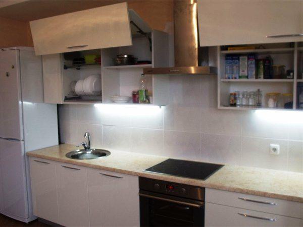 Дизайн малогабаритной прямой кухни фото