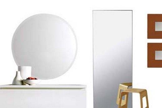 Зеркало серии Исфьерден в прихожей, фото