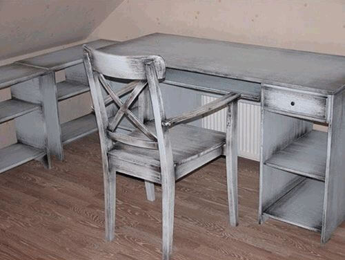 простая мебель в технике патинирования