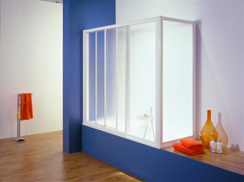 Выбор стеклянной шторки для оригинального оформления ванной комнаты