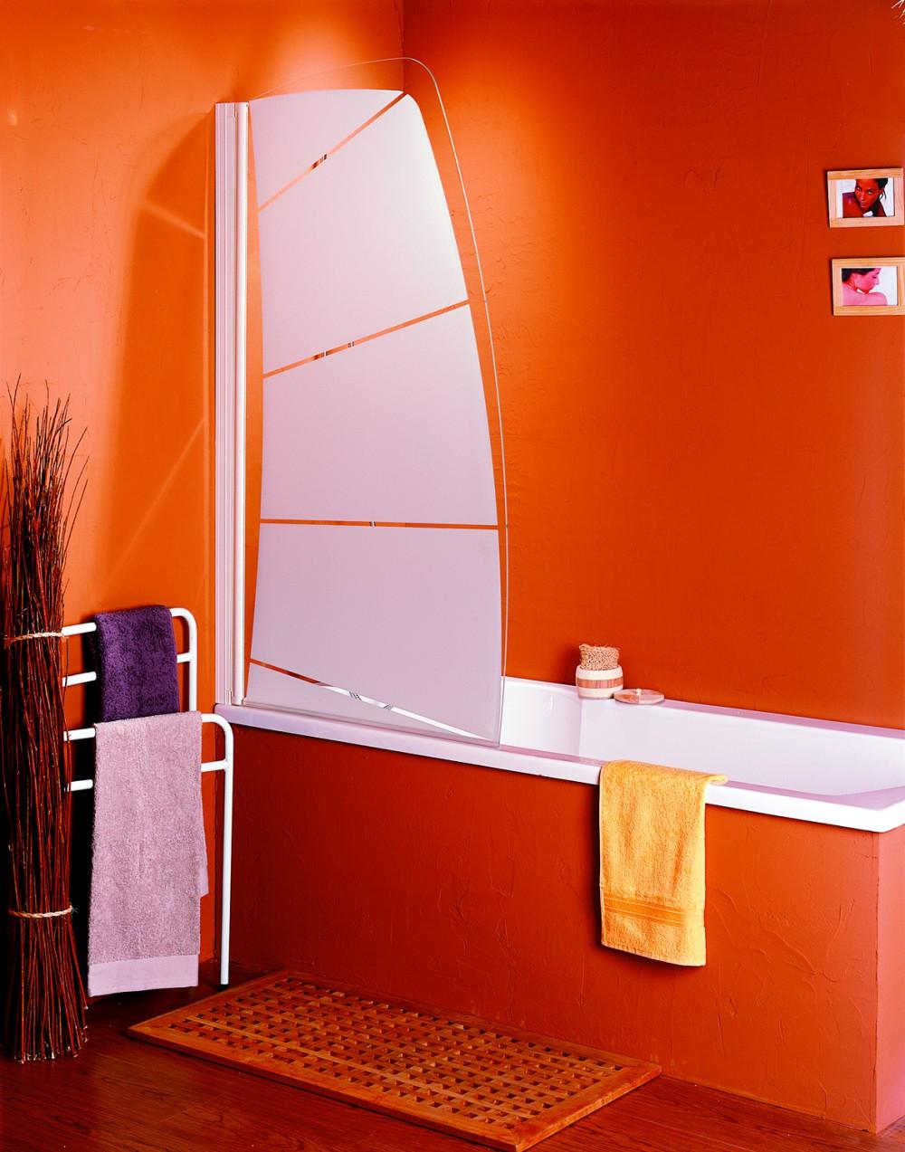 Преимущества оригинальной непрозрачной стеклянной шторки для ванной комнаты