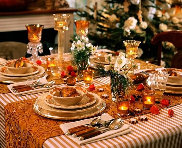 Праздничная скатерть на новогодний стол