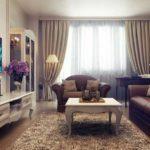 роскошный классический интерьер с диваном