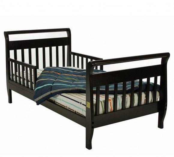 Тёмная детская кровать