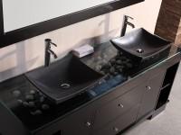 темные квадратные накладные раковины в ванной светлых тонов