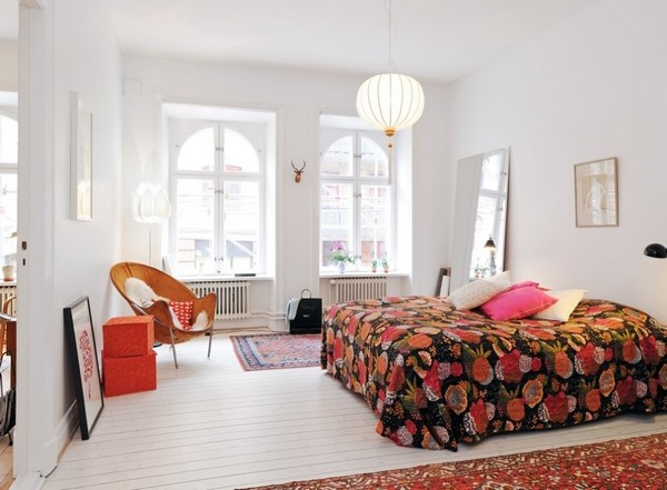 Цветное покрывало на двуспальную кровать фото