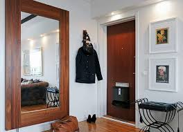 зеркало к коридоре