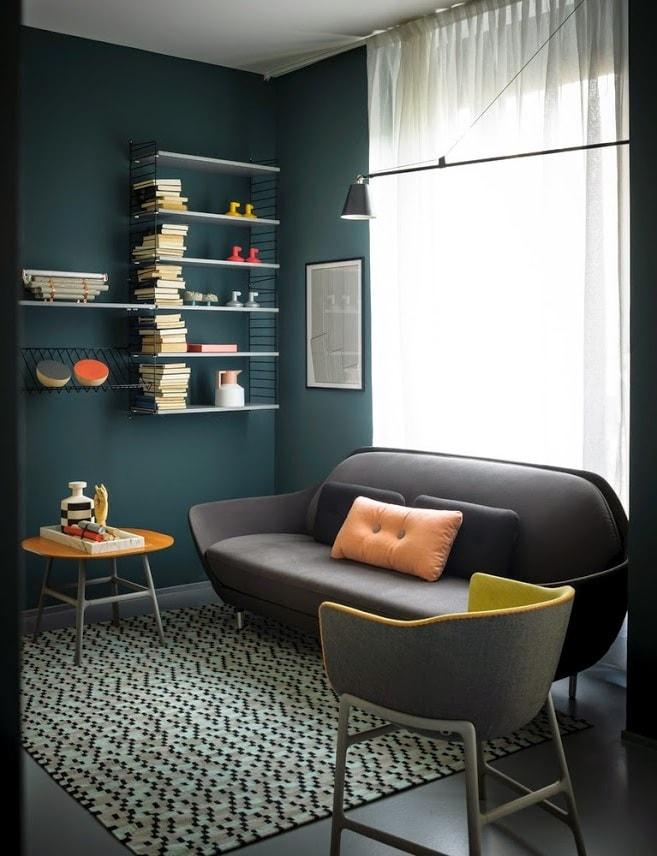Трудно представить себе комнату для чтения без настенной полки для книг