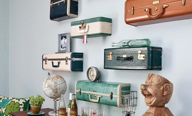 Стилизованные под чемоданы полки отлично впишутся в интерьер человека любящего путешествовать