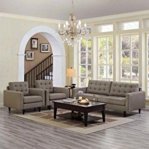 Диван и кресла для дома в интерьере гостиной.