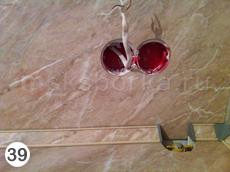 Рис. 39. Выпиленные отверстия в плинтусе, столешнице и стеновой панели