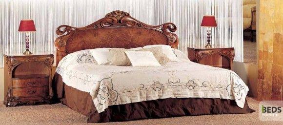 Кровать и дерева