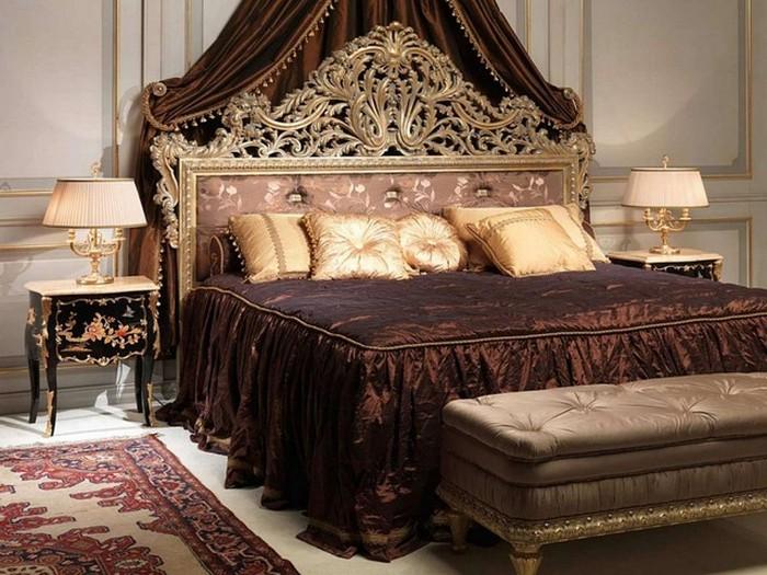 Роскошная кровать в спальне стиля ампир