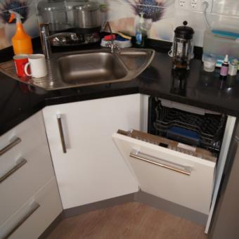 Кухня с посудомоечной машиной (100)