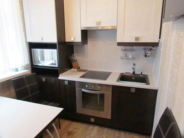 кухонные гарнитуры прямые для маленькой кухни фото