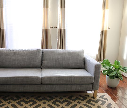 Новый диван с помощью пуговиц фото